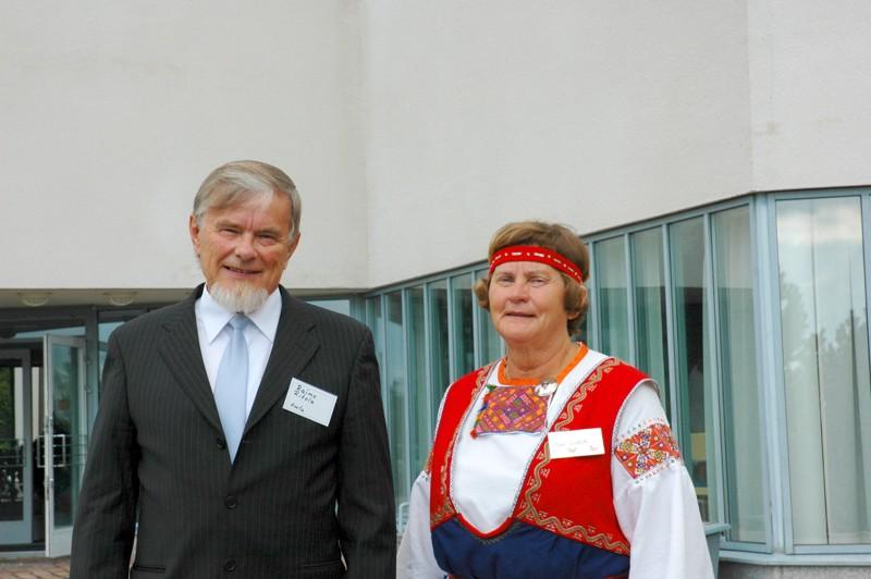 Raimo Ritola ja Maija Suotula kertoivat, että heidän rippikouluaikanaan, vuonna 1960, nuorten piti opetella ulkoa virsiä, käskyjä ja raamatun kohtia.