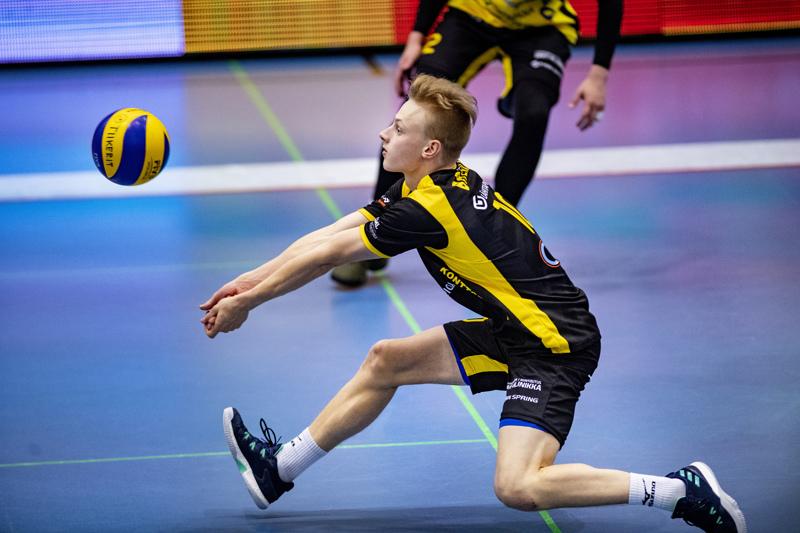 Niklas Breilin siirtyy Tiikereistä Savo Volleyn liberoksi.