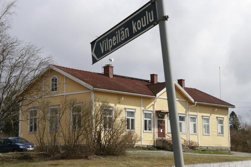 Vilpeilän koulu on yksi tänä vuonna suljetuista opinahjoista. Se sijaitsee Kangasalan Sahalahdella.