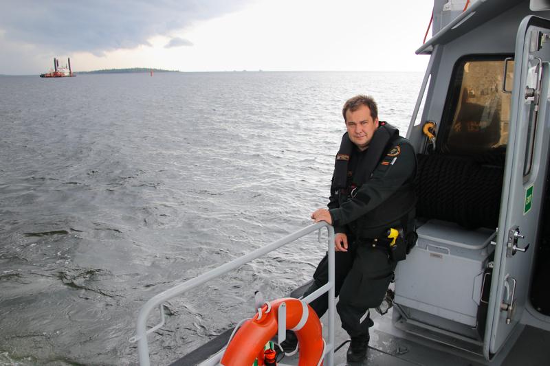 Länsi-Suomen merivartioston vanhempi rajavartija Tomi Kivelä kiittelee, että vilkkaasta meriliikenteestä huolimatta kesä on sujunut rauhallisesti.