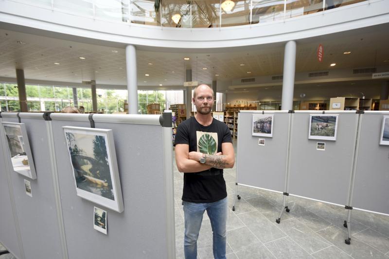 Manu Kerola pitää Polaroid-kuvien tunnelmasta. –Polaroid-kuvien virheet luovat niihin inhimillisyyttä. Kuvien ei tarvitse olla täydellisiä.