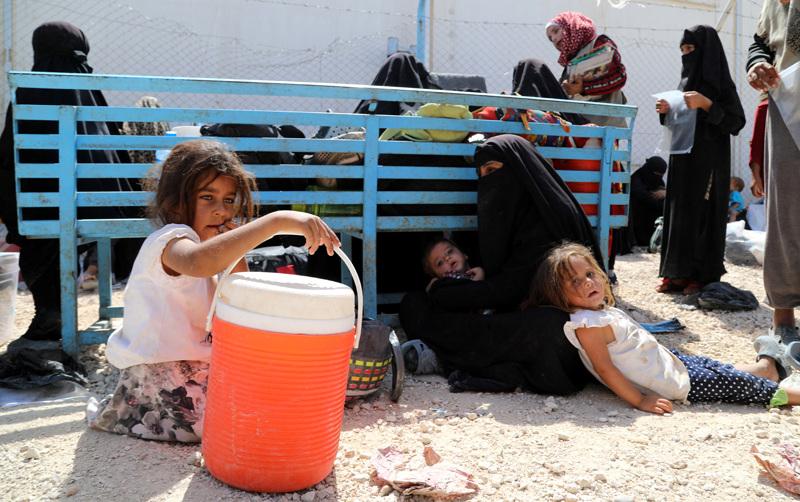 Al-Holin leiriltä on virallisessa operaatiossa kotiutettu toistaiseksi kaksi suomalaista orpolasta. Sen lisäksi neljä äitiä lapsineen on pannut omatoimisesti. Kuva on arkistokuva eivätkä sen henkilöt liity juttuun.