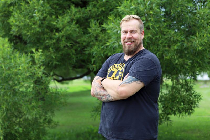 Kalajokinen Lauri Nuorala aloittaa lähihoitajan opinnot oppisopimuskoulutuksena. Nuorala on yksi Kalajoen kaupungin viidestä oppisopimusopiskelijasta, jotka aloittavat Oulaisten järjestämissä opinnoissa Kalajoen Jedun yksikössä.