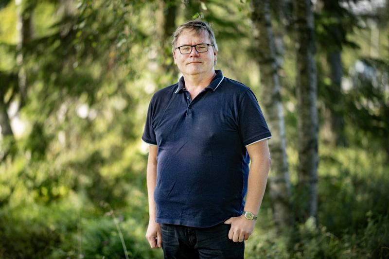 Arto Isolankila valmistelee Lohtajalta tuulevaa sukujulkaisua, joka kulkee nimellä Juuret Lohtajan mullassa. Siihen tulee tietoja sukujen ja tilojen historiasta Alaviirteeltä, Väliviirteeltä, Karhista, Kirkonkylältä ja Marinkaisista.