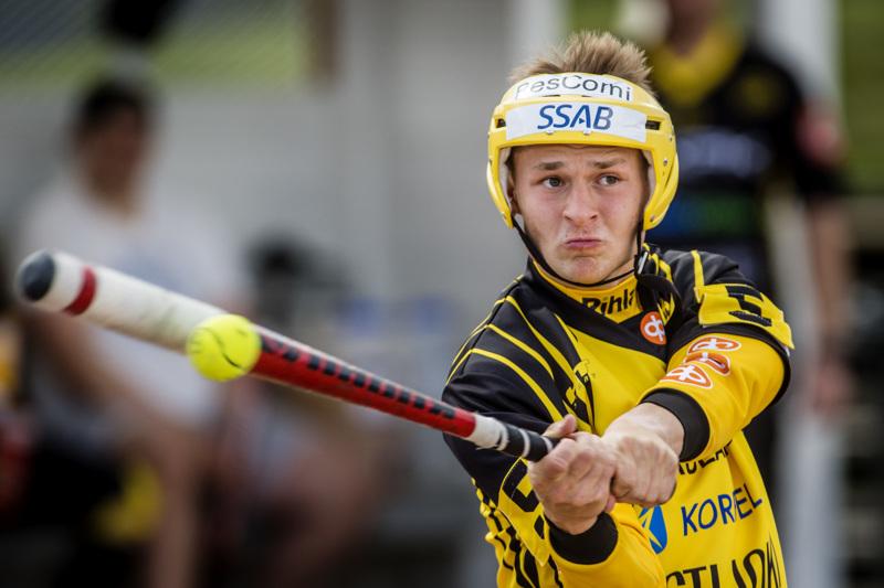 Konsta Launonen oli Uran avainpelaajia, kun Simo kaatui heinäkuussa vieraskentällä.