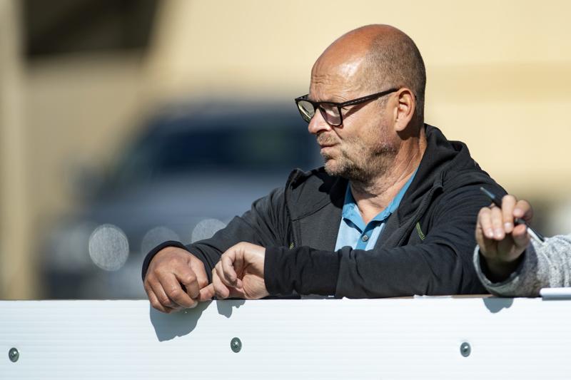 Matti Laitinen myöntää, että Miika Juntusen valinnasta syntynyt kohu yllätti. Työrauhan takaamiseksi sopimus purettiin torstaina.