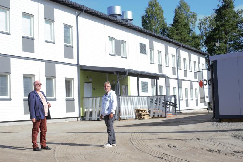 –Ei tätä olisi huhtikuussa todeksi uskonut, Veijo Tikanmäki ja Jari Saaranen huokaavat tyytyväisinä.