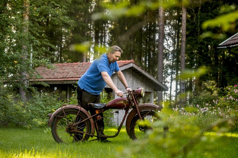 Seuraavaksi Harju ottaa työn alle Husqvarnan Rödqvarna-moottoripyörän.