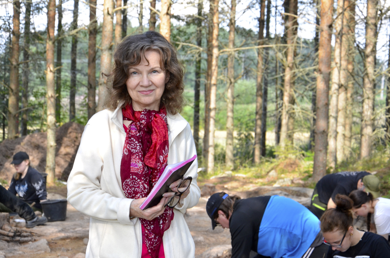 Mirette Modarress-Julin johtaa kaivauksia.