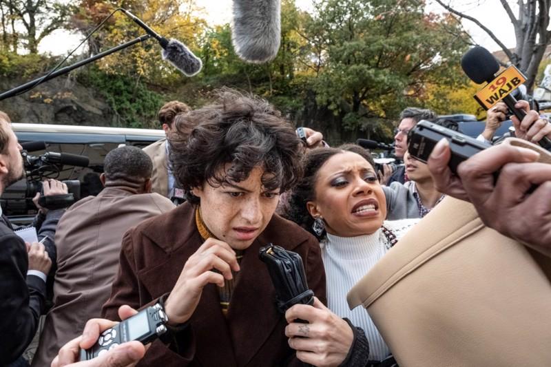 Alia Shawkat valokeilassa. Dorya viedään oikeuteen.