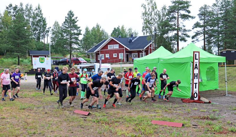 Super PEP 2020:n 12 kilometrille starttasi peräti 39 juoksijaa.