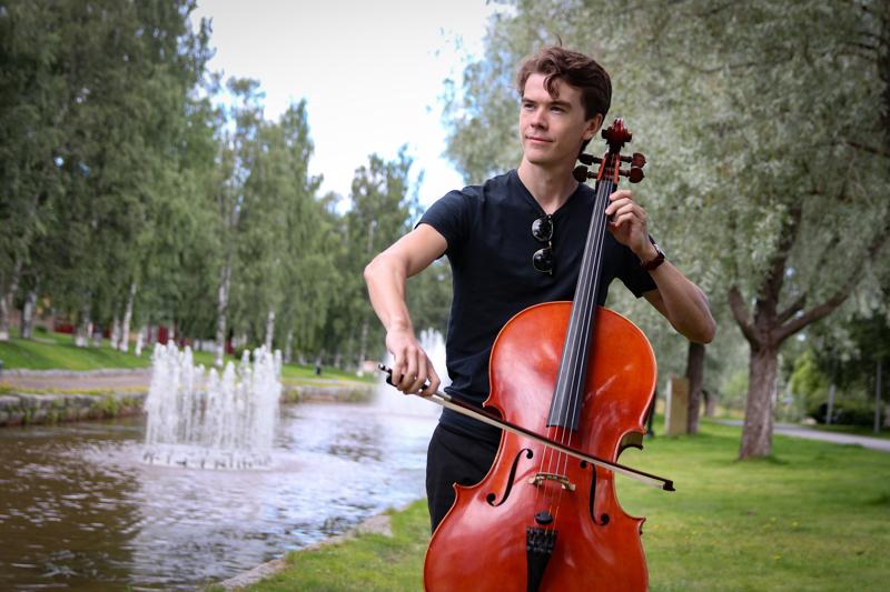 24-vuotias Tunkkari on opiskellut Taideyliopiston Sibelius-Akatemiassa neljä vuotta. Syksyllä odottavat opinnot Mozarteum Salzburgissa Itävallassa.