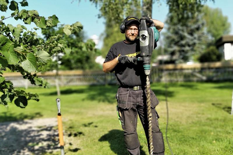Rasmus Häggmanin maaruuveilla tekemiä perustuksia löytyy seudulta muun muassa terassien, aitojen ja piharakennusten alta.