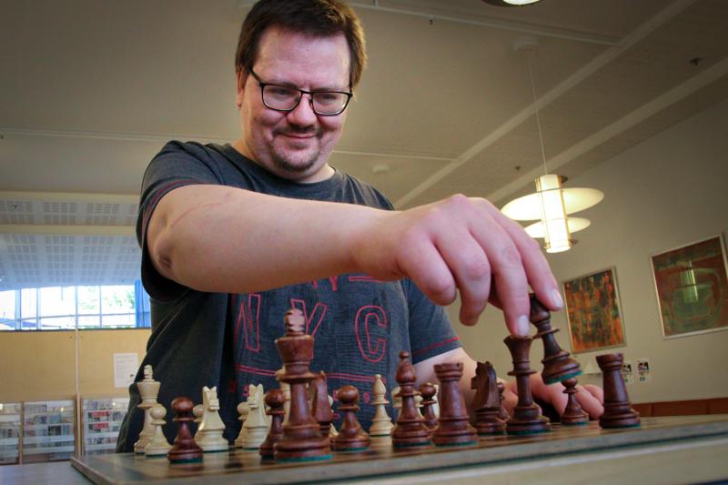 Toni Virrankoski on ollut Kokkolan shakkiyhdistyksen jäsen pitkälti toistakymmentä vuotta.