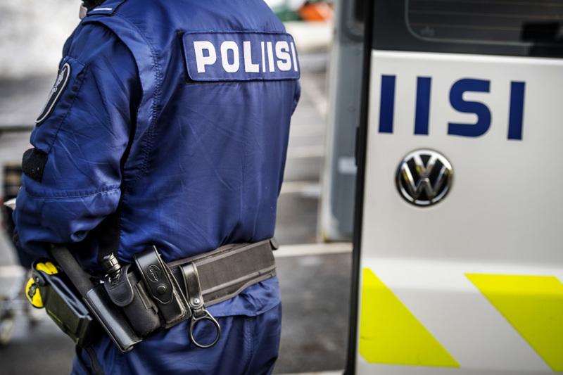 Jokilaaksoissa tehdyn valvonnan aikana puututtiin myös useisiin autoilijoiden ylinopeuksiin ja tavattiin yksi etsintäkuulutettu henkilö.