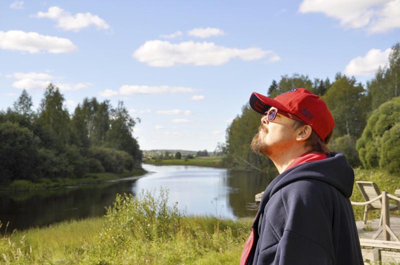 ATK-mies kohti uutta. Terveys asettuu nyt yritystoiminnan edelle, sanoo Petteri Seppälä Lestijoen tutuissa maisemissa.