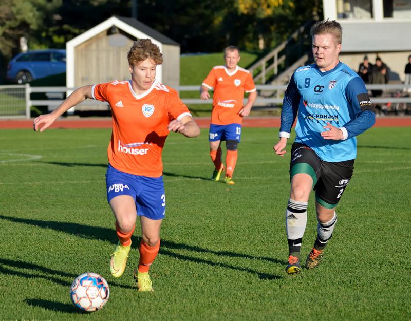 K-Pallon Akseli Koutonen oli lähellä maalintekoa ottelussa RyPK 84:ää vastaan.