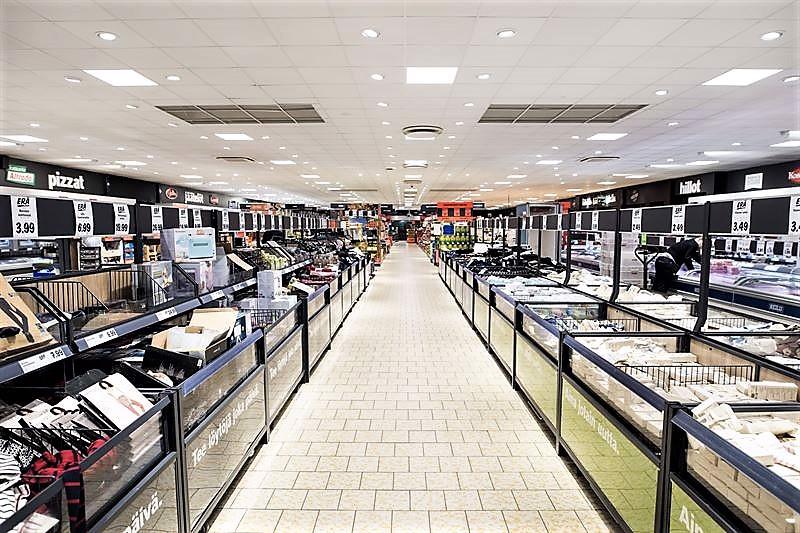 Myymälässä on mm. uudet värisävyt ja tuotejärjestys.