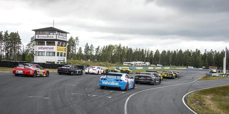 Rata SM:n ensimmäinen osakilpailu ajettiin elokuussa Jurvan Botniaringillä.