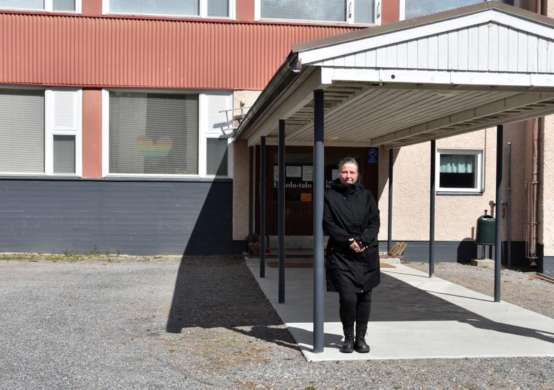 Vanhempainyhdistys Hanhikukon puheenjohtaja Satu Kumpulainen kertoo, että kuluva syksy on ollut raskas sekä vanhemmille että lapsille.