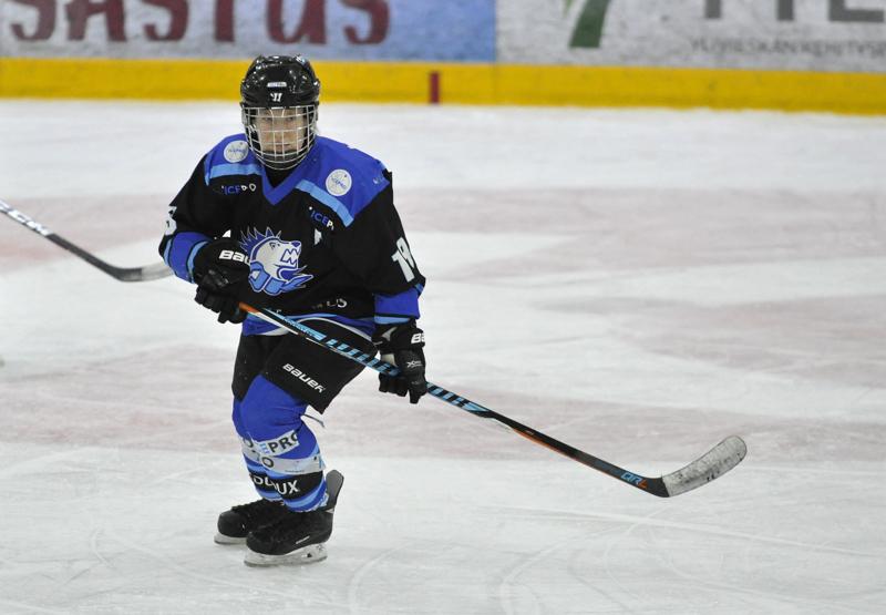 Susanna Järvenpää kuuluu YJK:n kapteenistoon ja avainpelaajiin alkavalla kaudella.