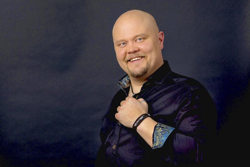 Johannes Vatjuksen laulajauralla puhaltavat jälleen uudet tuulet.