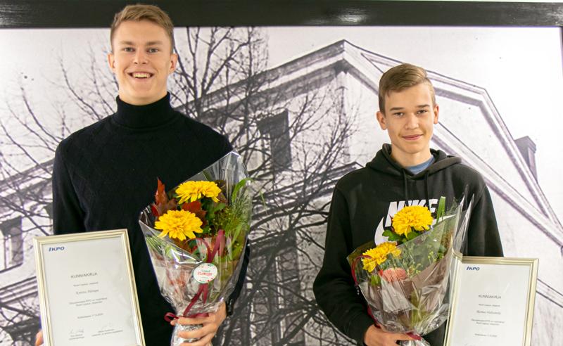 Kälviäläinen Konsta Alatupa ja pedersöreläinen Rasmus Huhtamäki Pedersörestä saivat tänä vuonna Osuuskauppa KPO:n Nuori Lupaus –stipendit.