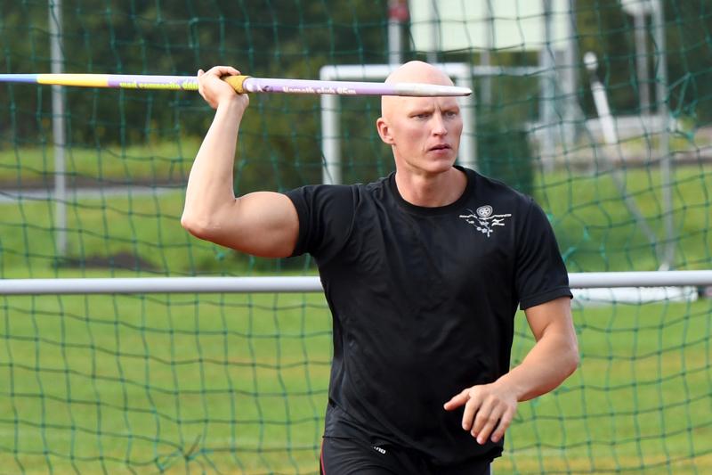 Teemu Wirkkalan paras heitto kantoi Ylivieskan urheilukentällä 74,81.