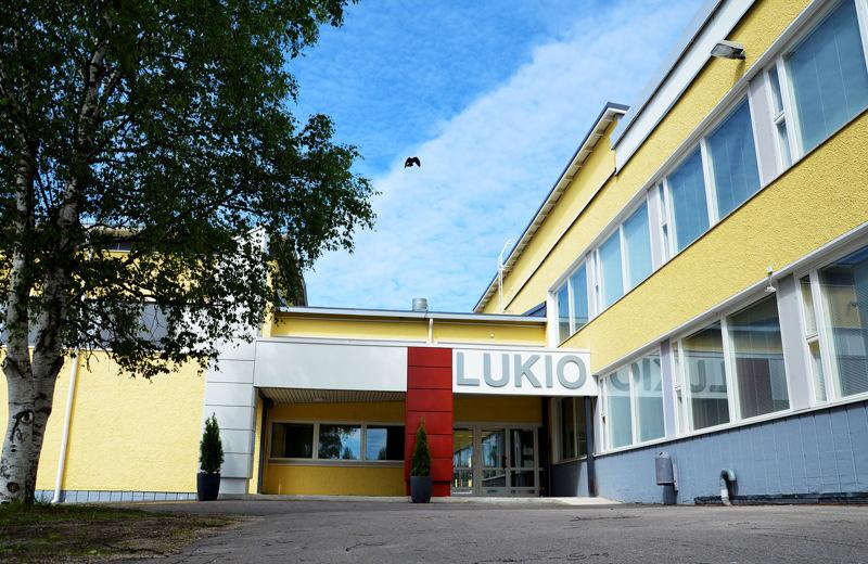 Ylivieskan lukiolle myönnettiin 68 020 euron valtionavustus koronakevään koettelemusten tasoittamiseksi.