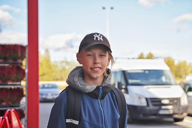 AKSELI TIIRIKAINEN: On hyvä asia, että nuorilla on mahdollisuus päästä liikkumaan autolla kaukana oleviin töihin ja harrastuksiin.