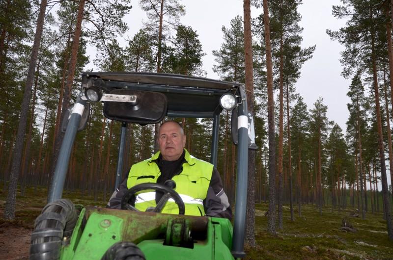 Pitkä kokemus. Yrittäjä Markku Hirvasoja sanoo, että he ovat nostaneet kunttaa vuodesta 2008 lähtien.