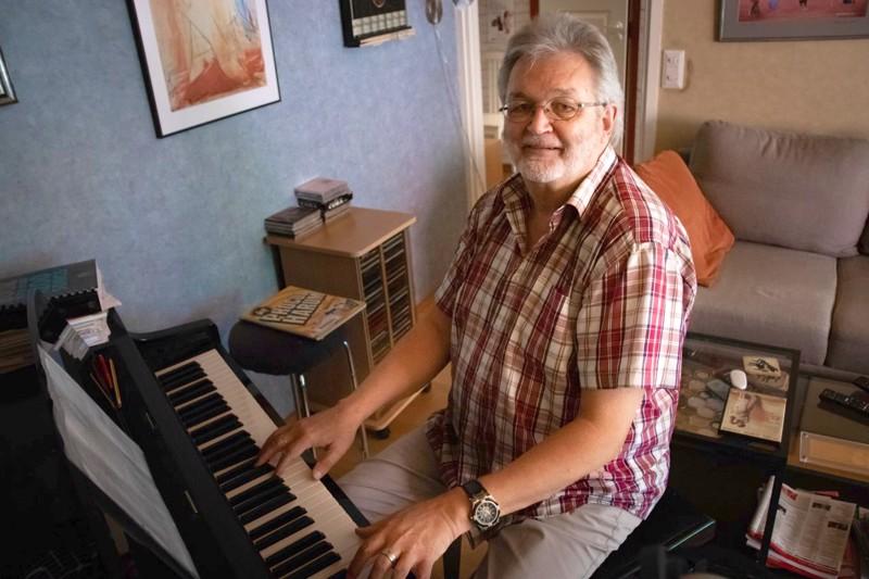 Tapani Riippa on luonut pitkän ja monipuolisen musiikkiuran, johon on esiintymisen lisäksi mahtunut useita vuosia opetustyötä.