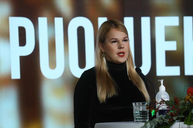 Europarlamentaarikko Alviina Alametsä puhui perustulokokeilujen puolesta.