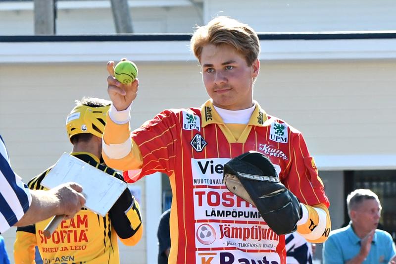 Aatu Saastamoinen nähtiin vielä viime vuonna Ylivieskan Kuulan ykköspesisjoukkueessa.