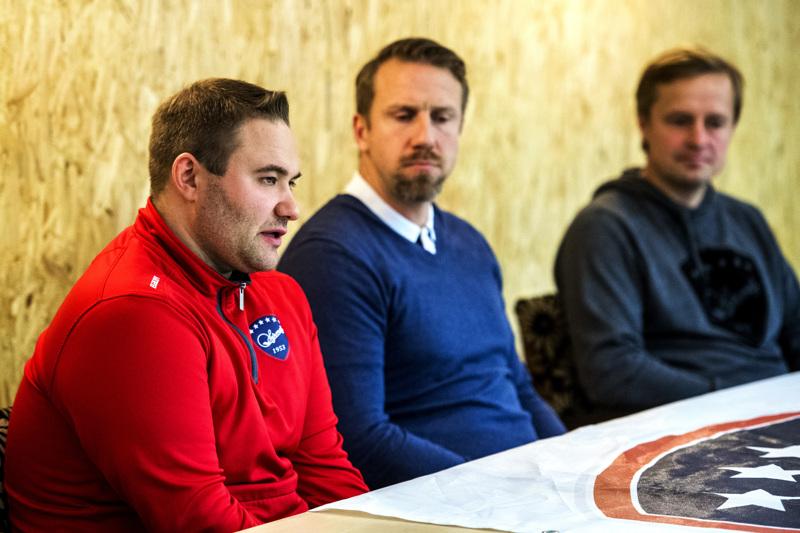 Jere Härkälä, Juuso Riksman ja Pasi Tuukkanen toivovat, että Mestis voidaan vielä läpi suunnitellusti.