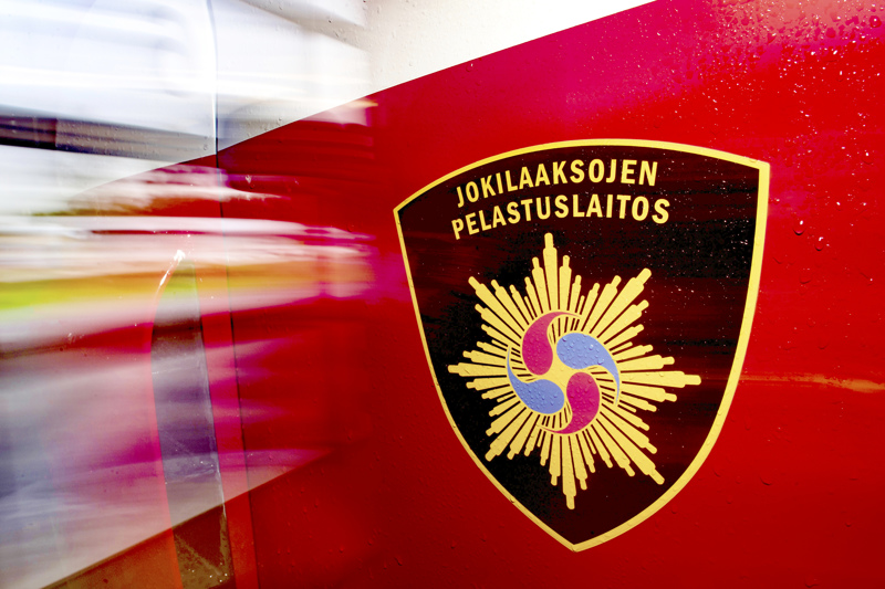 Maitorekan perävaunu syttyi palamaan tiistaina iltapäivällä nelostiellä Kärsämäellä.