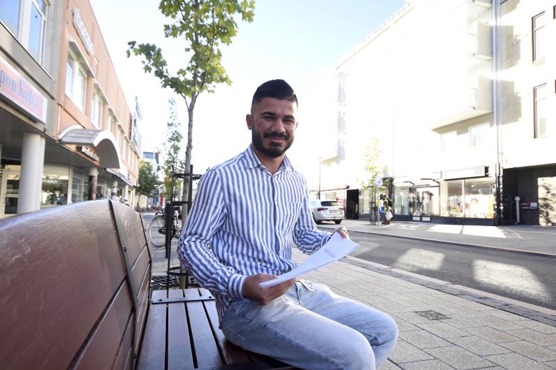 Shiyar Ismail teki sanakirjan, josta hän toivoo olevan apua muille arabiankielisille.