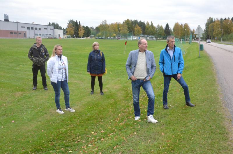 Hannu Kopola, Kirsi Paaso, Outi Santavuori, Kari Koivisto ja Mauno Ranto ovat osa Sievin maakuntaviestin kisakoneistoa.