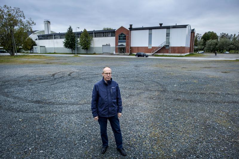 Jarmo Nissi on tehnyt selvitystyön, jonka pohjalta kaupunginvaltuusto päättää maanantaina  urheilu- ja tapahtumapuisto-hankkeen etenemisestä. Hybridiareenan paikka olisi tässä.