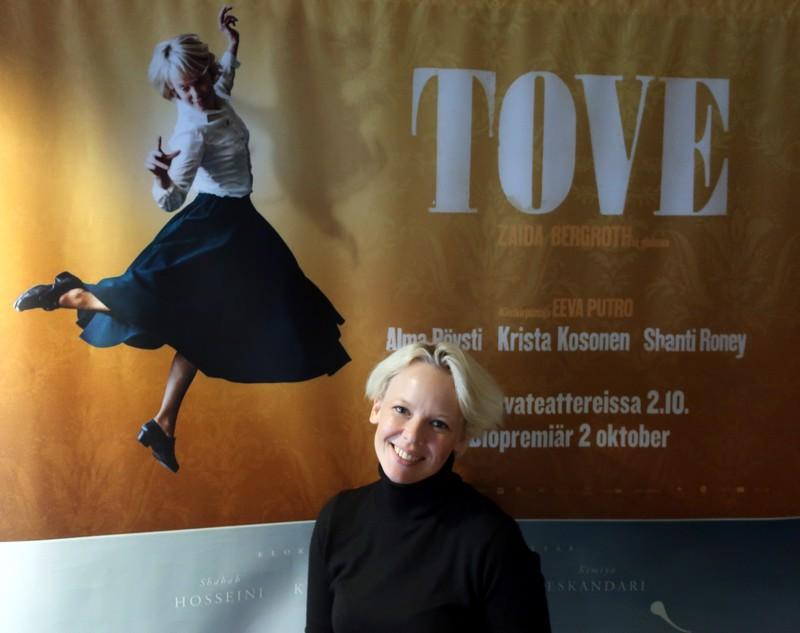 Alma Pöysti kävi esittelemässä Zaida Bergrothin ohjaamaa Tove-elokuvaa Vaasassa Aila-myrskyn aikaan. Ensi-ilta koittaa 2.10.