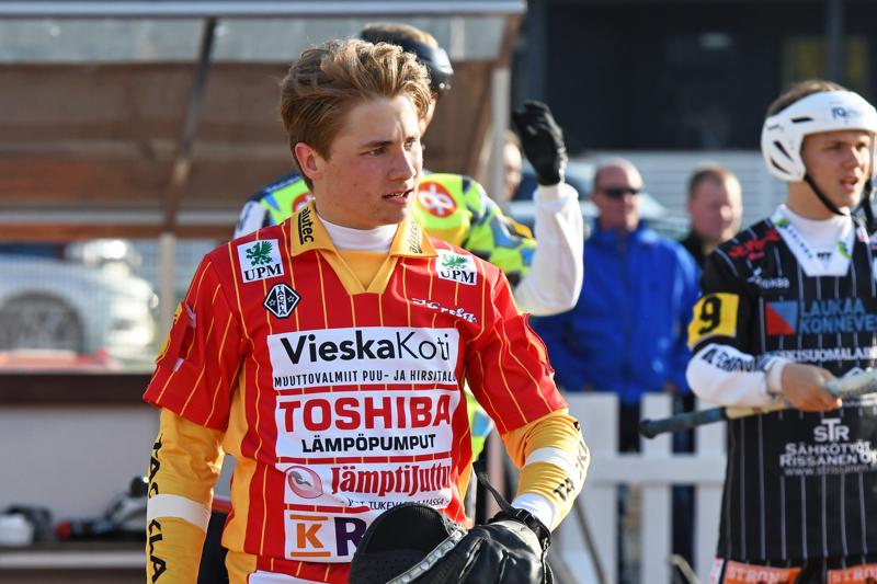 Aatu Saastamoinen pääsee juhlimaan ensimmäisellä Superpesis-kaudellaan Suomen mestaruutta.
