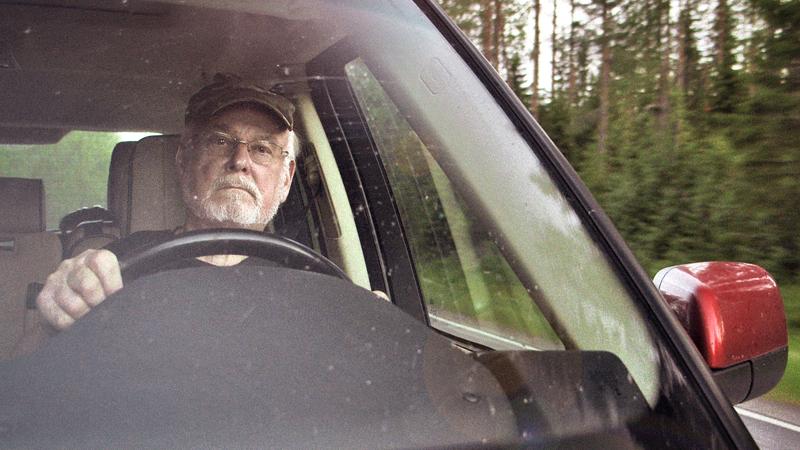 Hannu Karpolla oli työnsä takia 37 oikeudenkäyntiä, yhtään tuomiota ei tullut. Karpo sanookin, että jutut pitää tehdä niin, että niistä ei tule tuomiota.