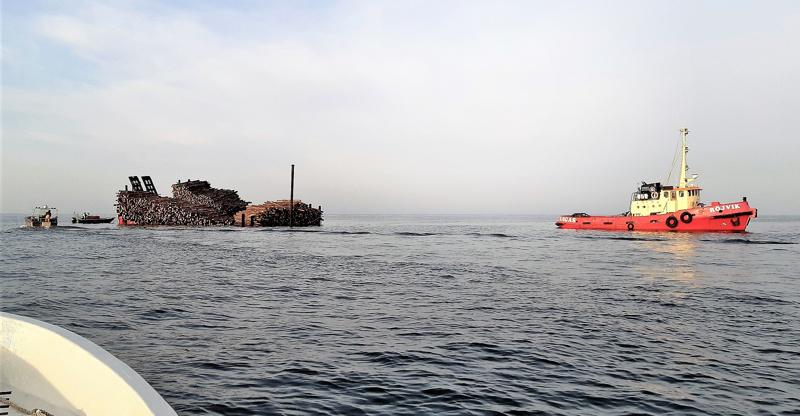 Proomun matka Vaasan saaristosta Pietarsaaren sellutehtalle katkesi Mässkärin kohdalla.