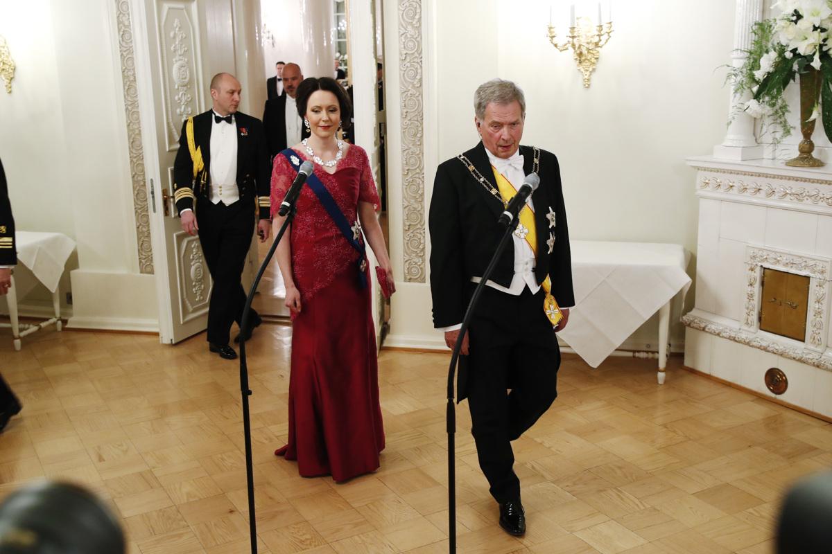 Presidentti perui linnan juhlat koronan vuoksiTilalle tulee koko...