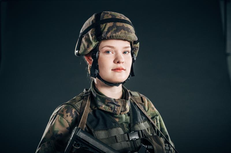 Rosa Bask ei pakottaisi kaikkia naisia armeijaan, mutta kannustaisi enemmän niitä, joita se vähänkin kiinnostaa. Armeijassa jokaisesta naisesta voi löytyä sisäinen sotilas.