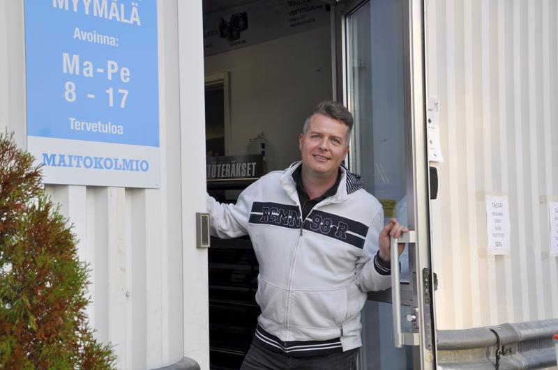 Onnea! Maatalouskauppa oli nimipäivää viettävälle Rauno Saukolle jo nuoruuden haaveammatti. Nykyinen työ Elma-myymälässä on asettanut monta asiaa tasapainoon.