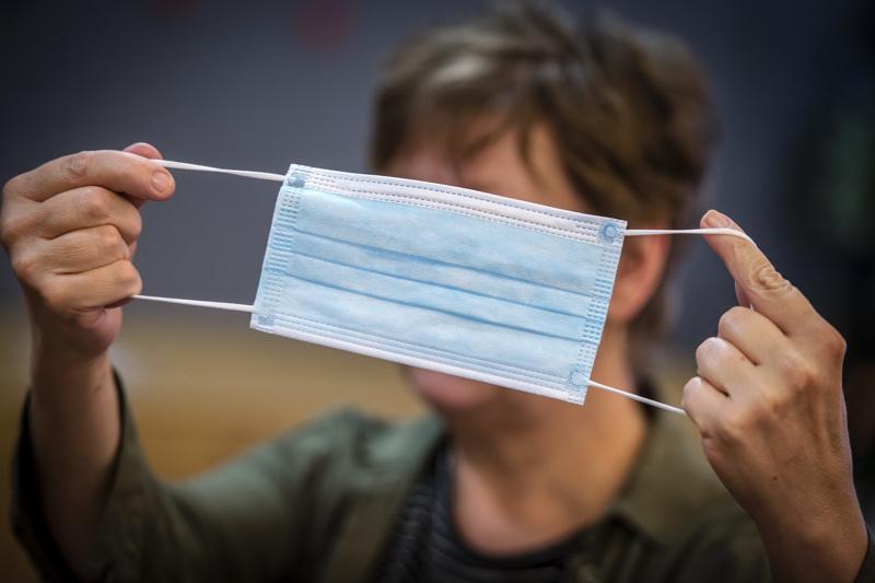 Tartu näistä - älä suojaosasta. Keskipohjanmaa koosti vaiheittain, miten maskia käytetään.