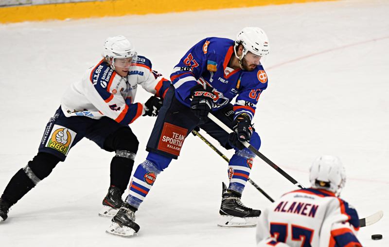 Hattutempun viimeistellyt JHT:n Milan Davidek oli liian vaikea pideltävä S-Kiekolle.