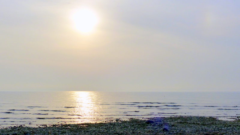 Paistetta rannalla Lohtajalla.