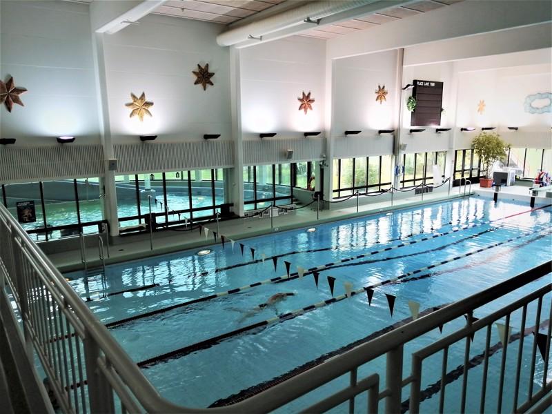 Pietarsaaren uimahallissa on korona-aikaan riittänyt tilaa.